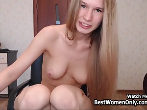 Beauty X-rated Eyes Blondie Cam Show In Bedroom